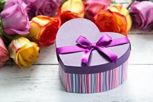 Fotos Valentinstag Schachtel Schleife Herz