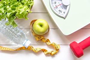 Hintergrundbilder Äpfel Wasser Messband Hanteln Diät