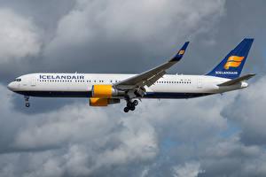 Photo Boeing Airplane Passenger Airplanes Side Icelandair, 767-300W