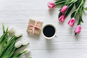 Desktop hintergrundbilder Kaffee Tulpen Geschenke Bretter Blumen