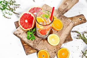 Hintergrundbilder Getränk Apfelsine Zitronen Grapefruit Limonade Schneidebrett Trinkglas das Essen