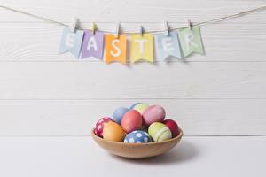 Wallpaper Easter Eggs English Word - Lettering