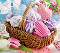 Bilder Ostern Tulpen Weidenkorb Eier Design Herz