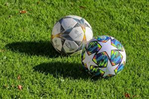 Bilder Fußball Gras Ball 2 Kleine Sterne Schatten sportliches