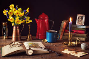 Picture Still-life Narcissus Clock Candles Kettle Vase Books Eyeglasses Mug Key lock flower