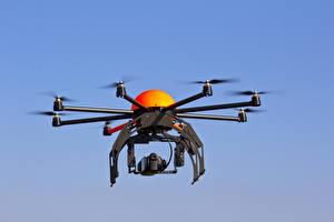 Fotos UAV Quadrokopter Flug Carbon