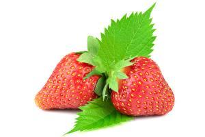 Hintergrundbilder Beere Erdbeeren Weißer hintergrund Blattwerk Rot