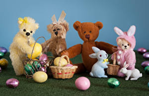 Photo Easter Toy Teddy bear Rabbits Wicker basket Eggs
