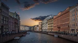 Desktop hintergrundbilder Abend Gebäude Himmel Sankt Petersburg Russland Fluss Kanal Waterfront Städte