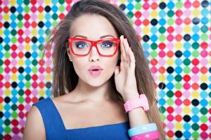 デスクトップの壁紙、、髪、手、化粧、眼鏡、凝視、驚愕、少女、