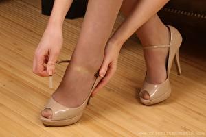 Fotos Bein High Heels Hand Strumpfhose junge frau
