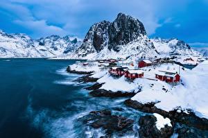 Hintergrundbilder Norwegen Lofoten Gebäude Gebirge Winter Felsen Vestfjorden Natur