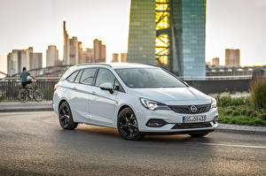 Sfondi desktop Opel Bianco Metallizzato 2019-20 Astra Sports Tourer Ultimate