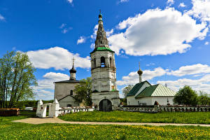 Fotos Russland Tempel Kirchengebäude Gras Church of Boris and Gleb Suzdal