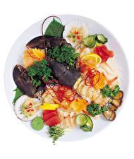 Bilder Meeresfrüchte Hummerartige Fische - Lebensmittel Gemüse Zitronen Weißer hintergrund das Essen