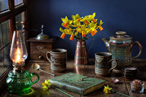 Wallpapers Still-life Narcissus Paraffin lamp Kettle Vase Mug Books flower