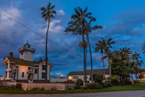Bilder USA Abend Gebäude Leuchtturm Kalifornien Palmengewächse Zaun Point Fermin Lighthouse in San Pedro