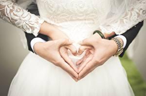 Papel de Parede Desktop Relógio de pulso Casamento Coração Mão