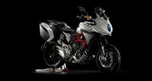 Bilder Seitlich 2015-20 MV Agusta Turismo Veloce 800 Lusso Motorräder