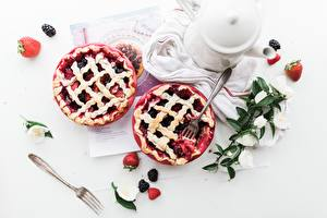 Photo Berry Strawberry Pie Fork Plate Food