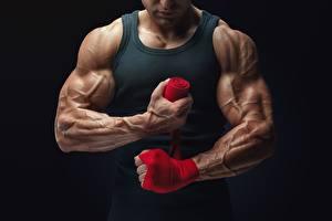 Fotos Bodybuilding Mann Hand Muskeln sportliches