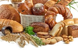 Bilder Brot Backware Weizen Weißer hintergrund Weidenkorb das Essen