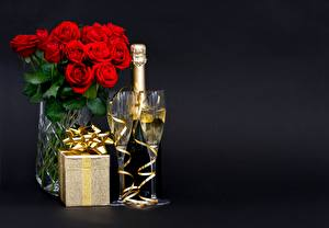 Wallpapers Champagne Bouquet Roses Stemware Present Box Bow knot Black background Food Flowers