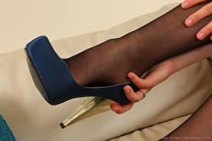 Fotos Hautnah Bein High Heels Strumpfhose junge frau