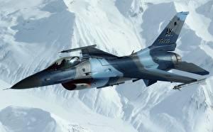 Bilder Jagdflugzeug Flugzeuge F-16 Fighting Falcon Flug US Luftfahrt