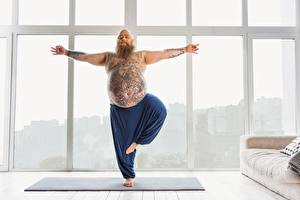 Bureaubladachtergronden Fitness Mannen Yoga Tatoeage Dik atletisch