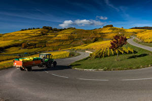 Fotos Frankreich Acker Straße Hügel Traktoren Alsace Natur