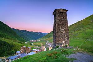Bureaubladachtergronden Georgië Bergen Een toren Vallei Ushguli, Upper Svaneti