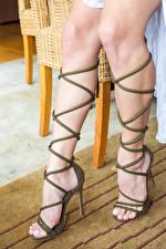 Bilder Gloria Sol Großansicht Schönes Bein High Heels high heels junge Frauen