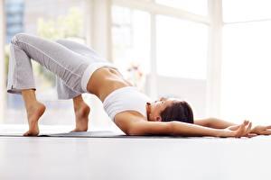 Hintergrundbilder Gymnastik Joga Posiert Bauch Hand Mädchens
