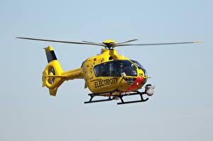 Bilder Hubschrauber Gelb Flug EC135 G-WPDB, Airbus Helicopters
