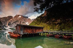 Bilder Italien See Berg Bootssteg Boot Lake Braies Natur