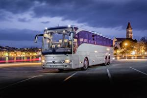 Fondos de escritorio Mercedes-Benz Autobús Tarde Plata color Tourismo Coches