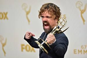 Bilder Peter Dinklage Mann Bärtige Schreien Emmy 2016