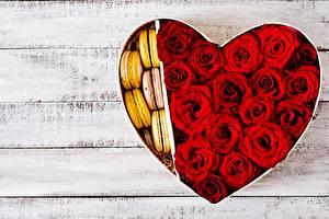 桌面壁纸,,玫瑰,情人节,心形符號,红色,木板,馬卡龍,模板賀卡,花卉