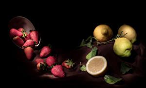 Bilder Erdbeeren Zitronen Schwarzer Hintergrund Blatt