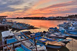 Fotos Taiwan Sonnenaufgänge und Sonnenuntergänge Seebrücke Boot Bucht Kaohsiung