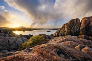 Fotos Vereinigte Staaten See Abend Morgendämmerung und Sonnenuntergang Felsen Wolke Prescott, Arizona, Granite Dells, Willow Lake Natur