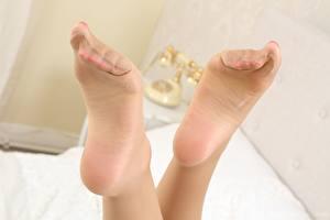 Bilder Hautnah Bein Strumpfhose Ferse Mädchens