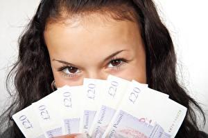 Hintergrundbilder Augen Geld Geldscheine Blick Brünette junge frau