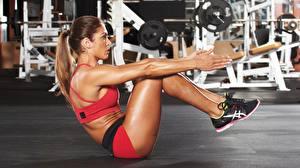 Tapety na pulpit Fitness Siłownia Ćwiczenia fizyczne Nogi Ręce ABS Dziewczyny