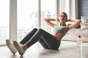 Fotos Fitness Körperliche Aktivität Bein ABS Mädchens