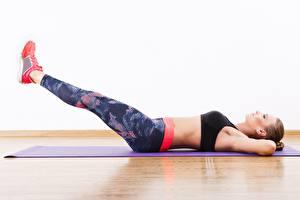 Hintergrundbilder Fitness Körperliche Aktivität Bein Liegen ABS Mädchens