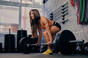 Fotos Fitness Fitnessstudio Hantelstange Trainieren Mädchens