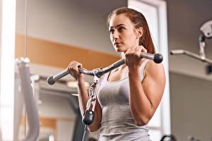 Desktop hintergrundbilder Fitness Fitnessstudio Hand Körperliche Aktivität sportliches Mädchens