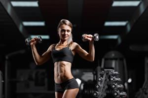 Fotos Fitness Fitnessstudio Pose Hanteln Sport Mädchens